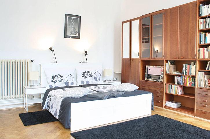 Просторные апартаменты в Праге.